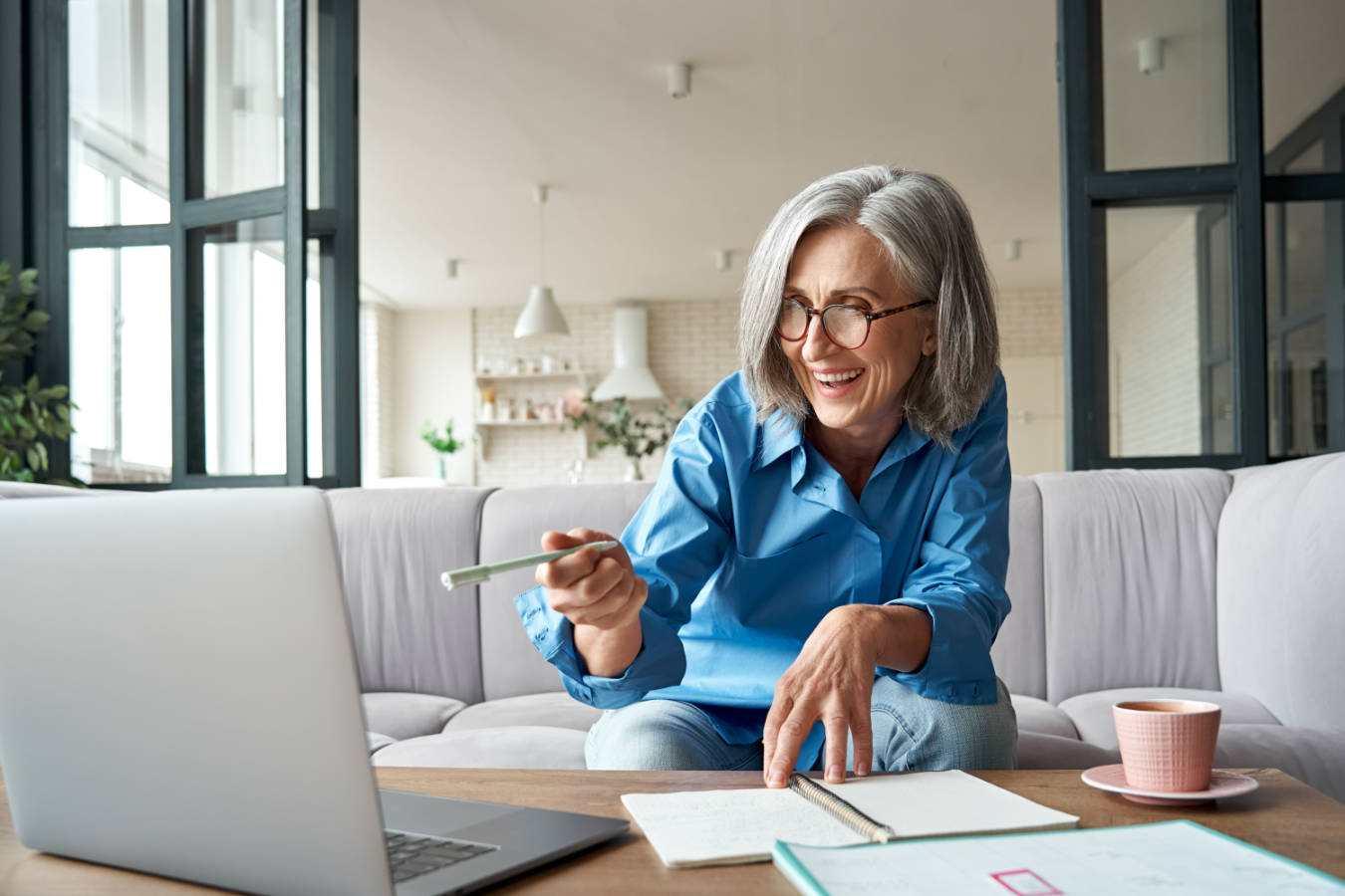 Jaki laptop do zarabiania pieniędzy w domu?